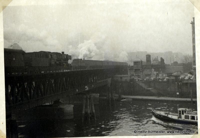 Hafengebiet, aEisenbahnbrücke 60er Jahre (Pap307c)
