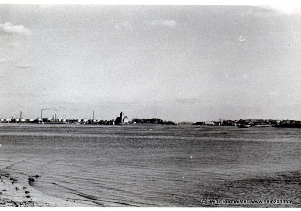 Teufelsbrück Elbe beim Yachthafen Blick über die Elbe ca.60er(Pap140)