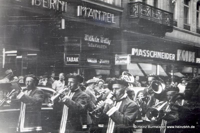 Veranstaltung in der Innenstadt 60er Jahre(Pap133)