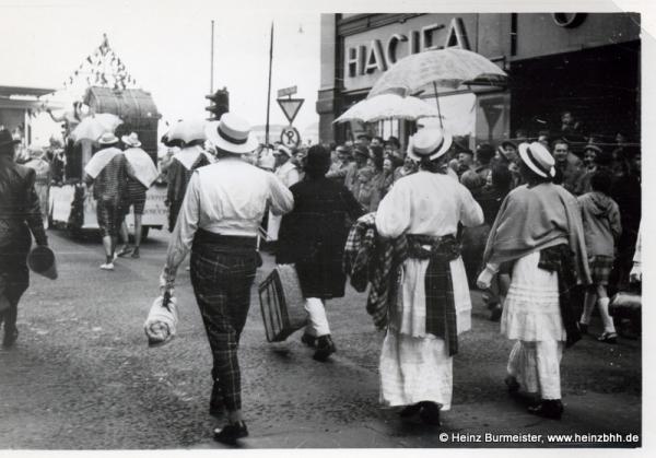 Veranstaltung in der Innenstadt 60er Jahre(Pap134)